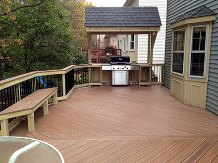 deck built in bbq